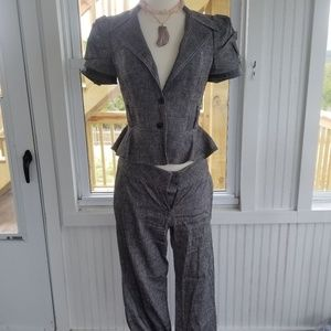 Fun gray pants suit with Short-sleeve Jacket 6/8
